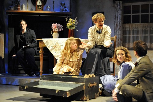PRESS L-R Ben Ingles, Jennifer English, Claire Webzell, Lucy Kilpatrick and Andy Daniel in The Railway Children