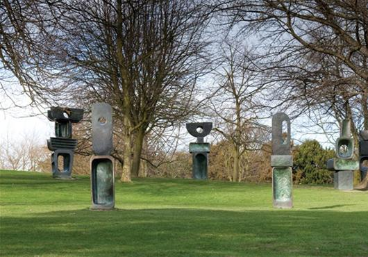 Barbara Hepworth sculpture on the grass at Yorkshire Sculpture Park, family drawing