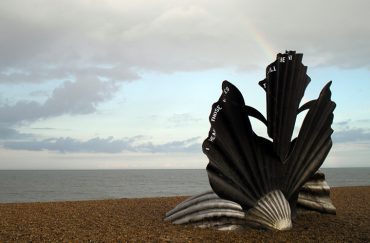 Photo of Maggi Hambling's Scallop sculpture by the sea