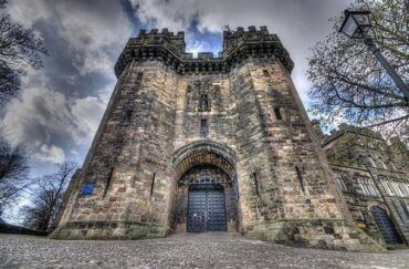 Photo of the towering entrance to Lancaster Castle