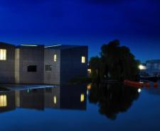 Hepworth at dark blue sky and water