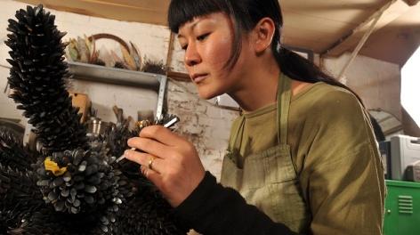 Photo of Junko sculpting