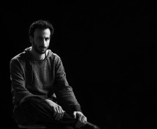 Black and white portrait of Hofesh Shechter