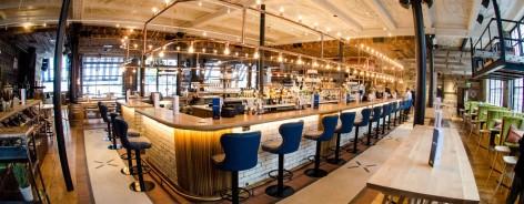 Photo of the bar in Albert's Schloss