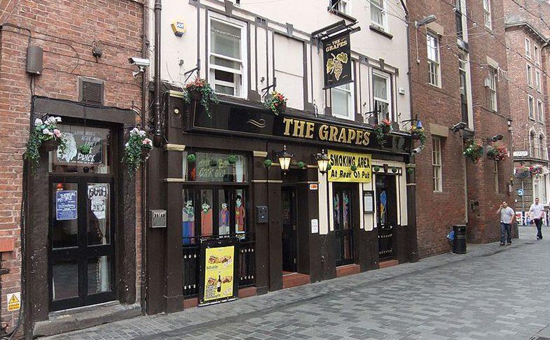 The grapes pub in Liverpool
