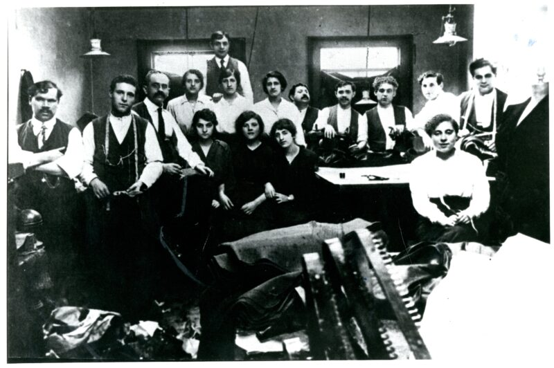 Jewish tailors, before 1914 @ People's History Museum